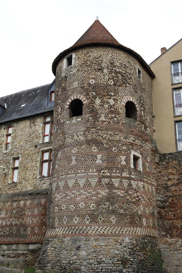 Tour du Vivier - Enceinte romaine du Mans